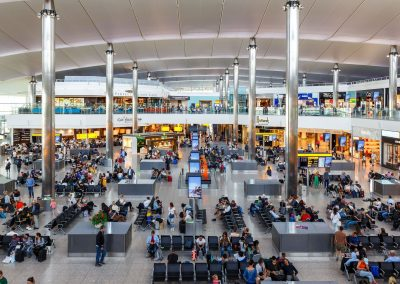 Perturbations-dans-l-aeroport-londonien-d-Heathrow-a-cause-de-mysterieux-drones