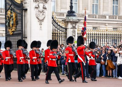changing-of-the-guard-buckingham-palace-1